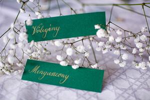 esküvői ültetőkártya kurzus mirtusz vőlegény menyasszony