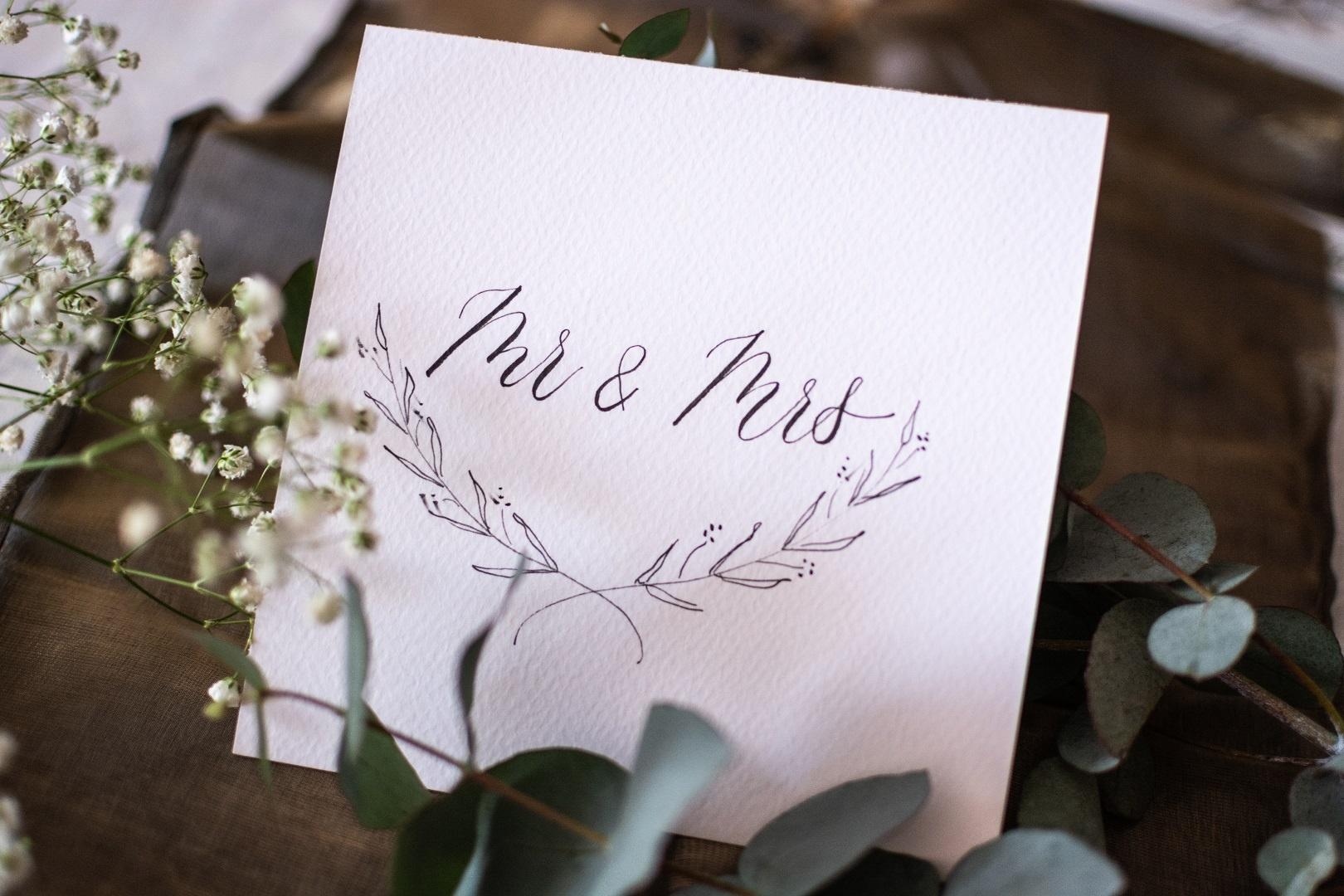 esküvő kalligráfia